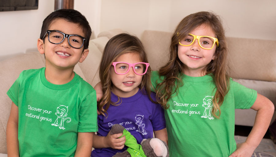 EQtainment kids in glasses with Q Wunder